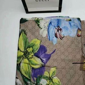 Gucci Wrap / Scarf